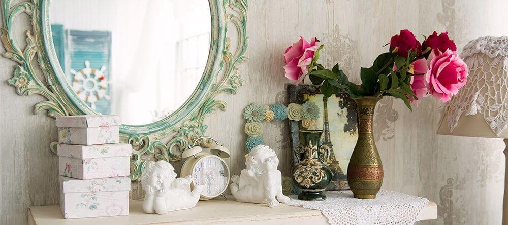 Opvallende lijsten voor je spiegel hebben een grote uitwerkingen op je ruimte