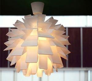Opvallend en geometrische vormen zijn in de decoratie in de mode