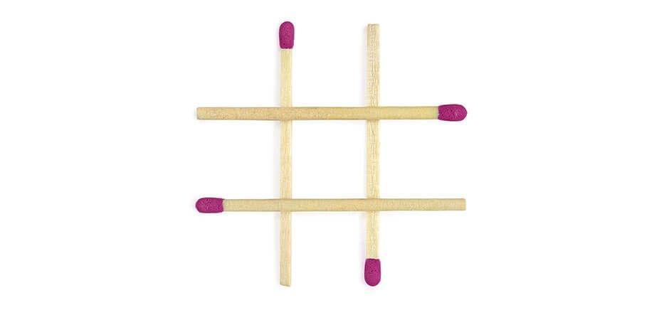 Beeld uw muur in met negen velden van gelijke afmetingen, zoals in Boter-Kaas-en-Eieren
