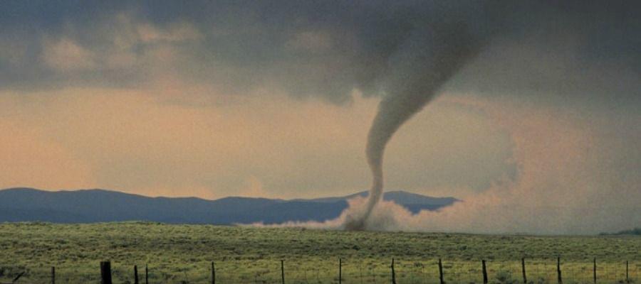 10-photos-of-tornadoes-born-to-run