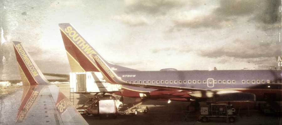 lo-fi-photography-airplanes