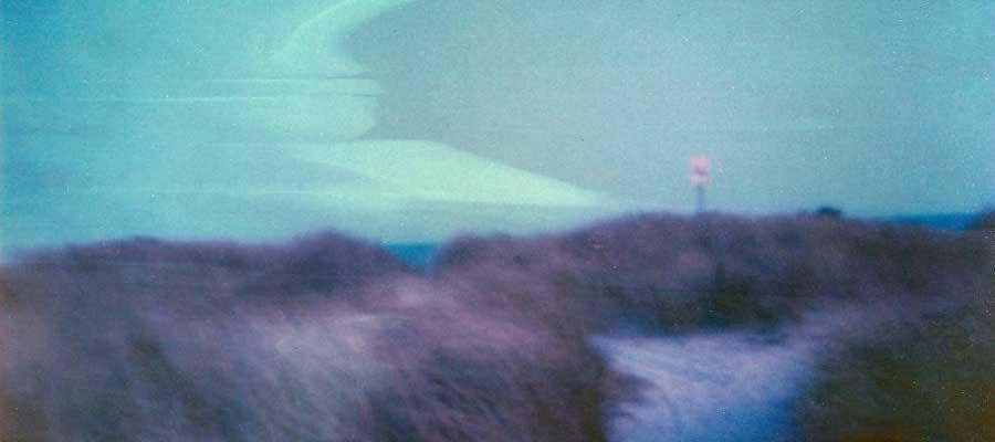 lo-fi-photography-windy-coastline