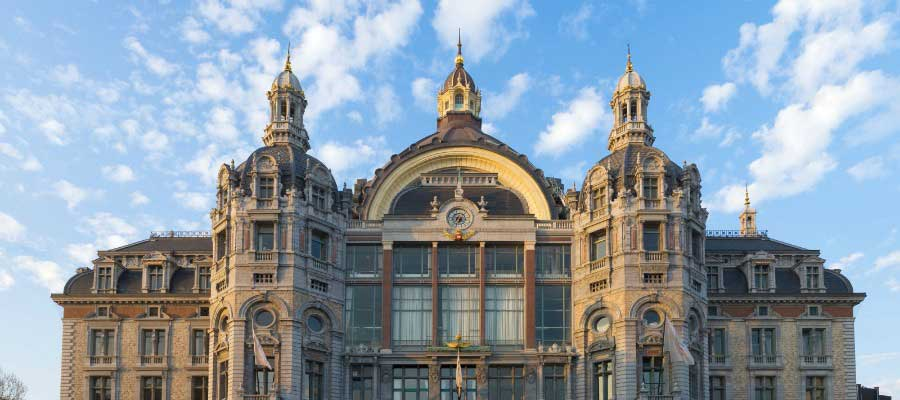 worlds-most-iconic-train-stations-antwerpen-centraal