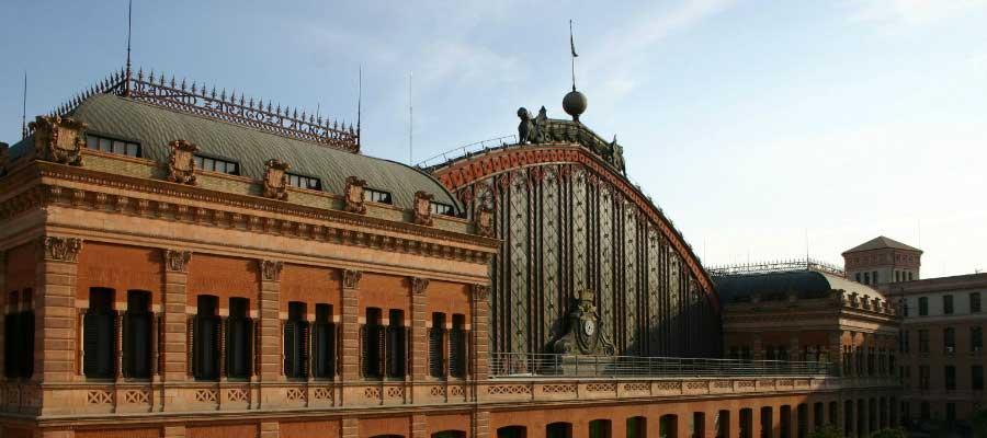 worlds-most-iconic-train-stations-atocha-station