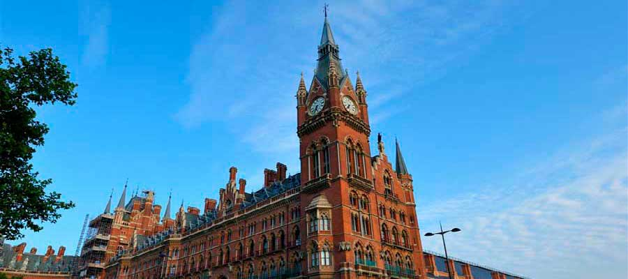 worlds-most-iconic-train-stations-st-pancras
