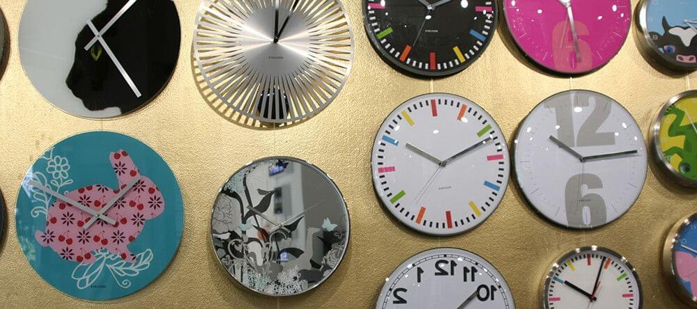 ¿Tu reloj de pared está pasado de moda? ¡Eso puede cambiar en un momento!