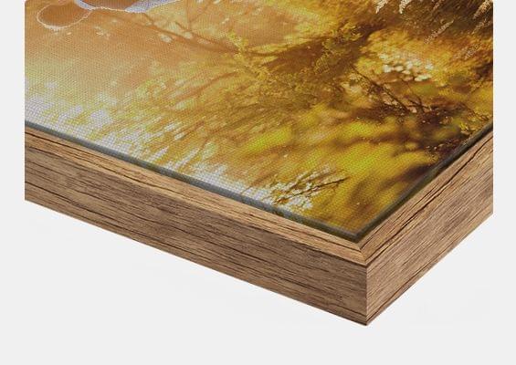 canvas print in Oak vintage flair frame closeup front